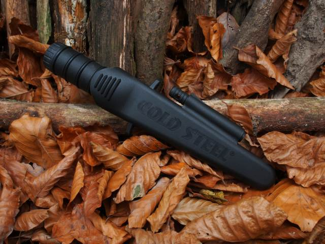 Cold Steel Survival Edge Black in der Scheide