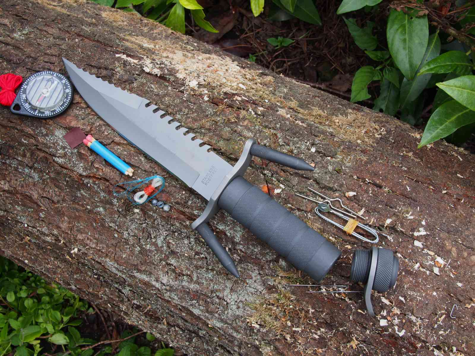 Herbertz Survival-Messer mit Survival-Kit