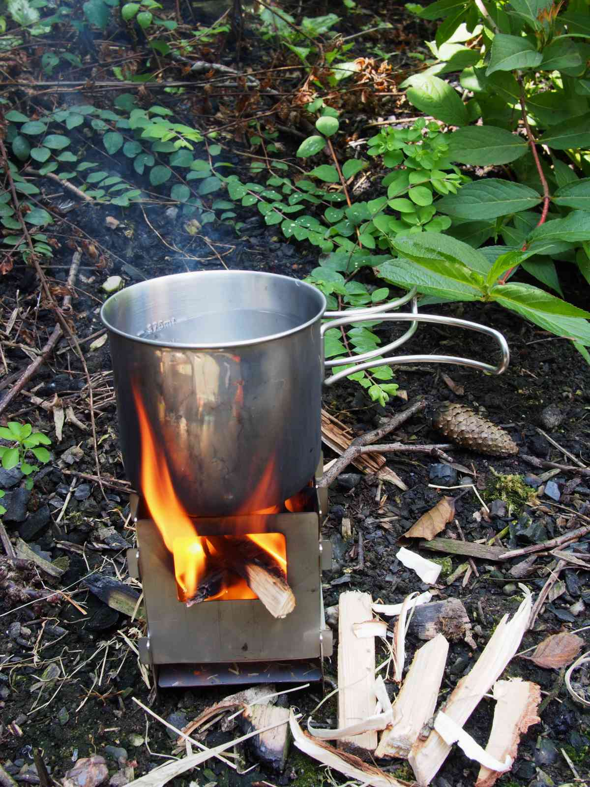 Bushcraft Essentials Bushbox - Wasser kochen