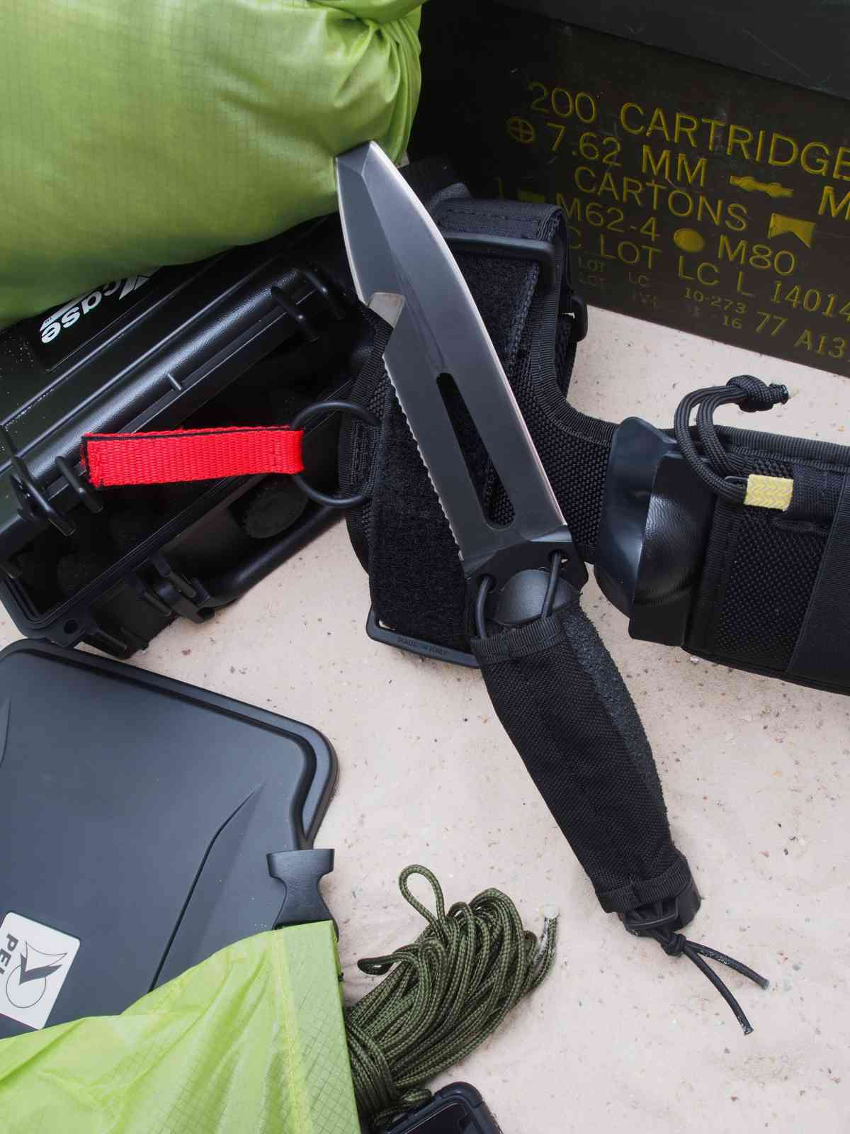 Extrema Ratio Ultramarine N.E.D.U. - Messer und Unterschenkelscheide