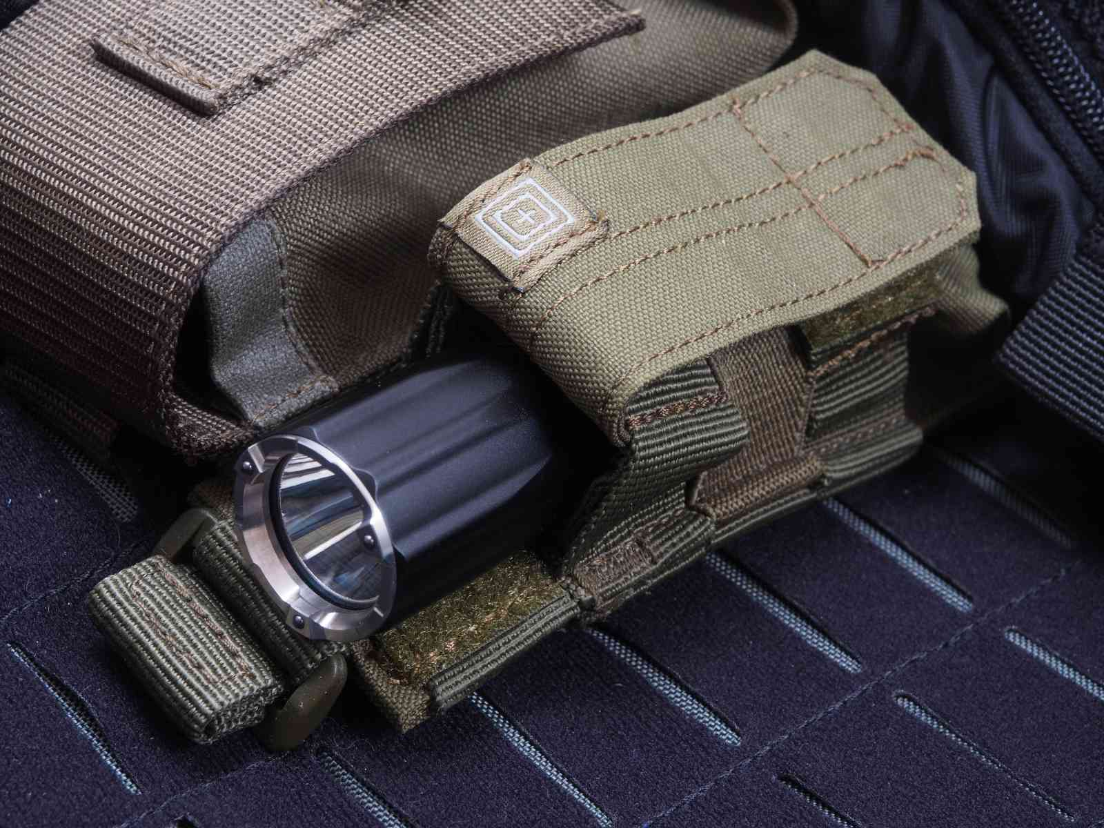 Nextorch TA20 in der Taschenlampentasche