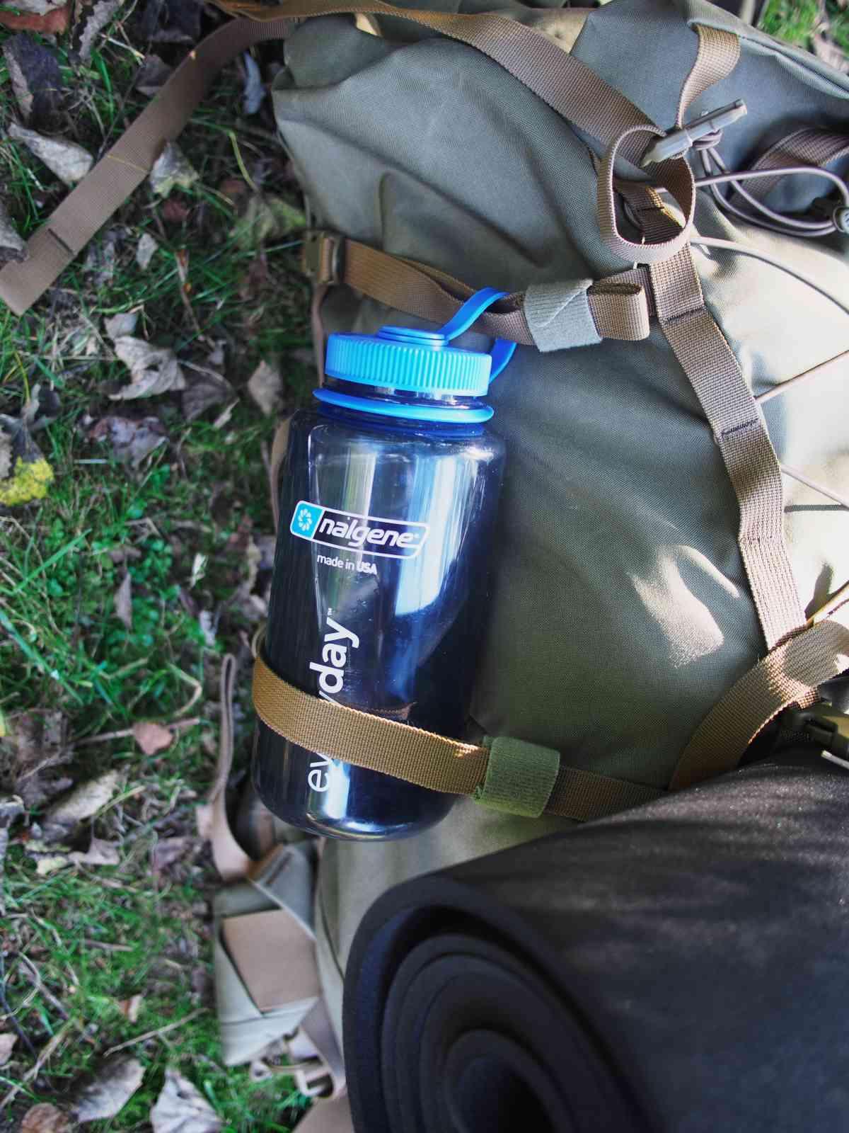 Arc'teryx LEAF Khyber 5 - Wasserflasche an den Seitenriemen