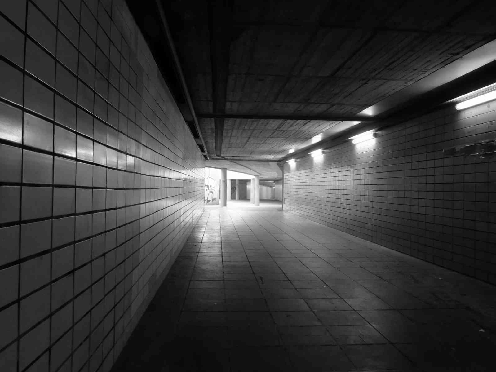 Im Untergrund - Stille