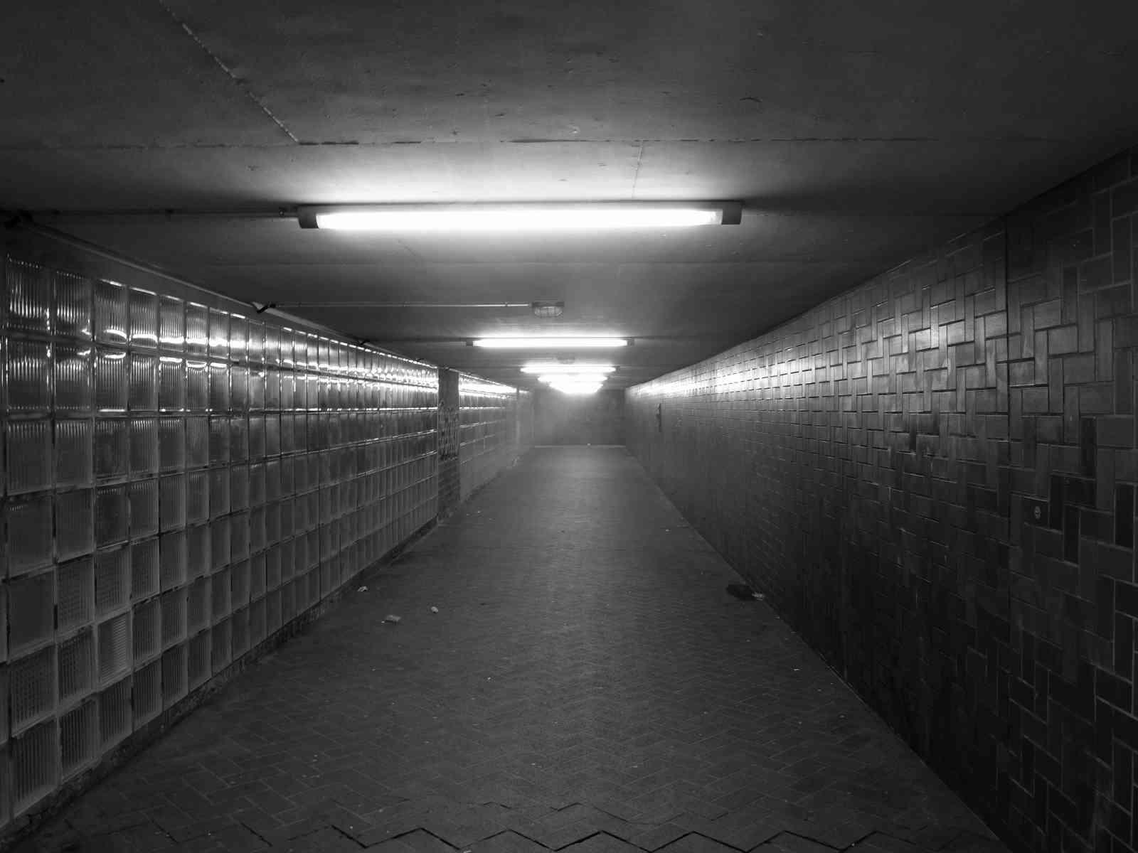 Im Untergrund - Einsamkeit