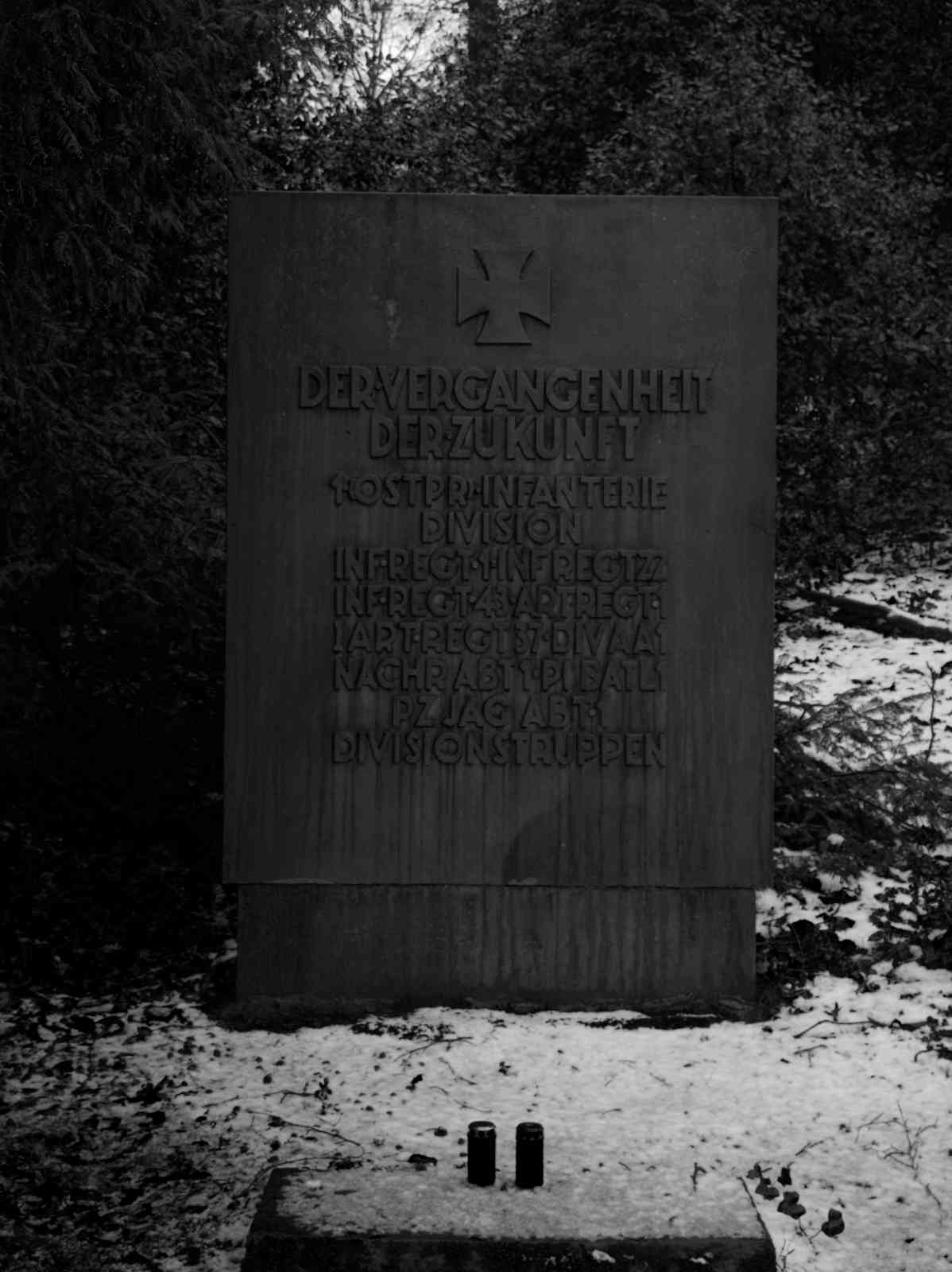 Ehrenfriedhof Königshöhe - Gedenkstein