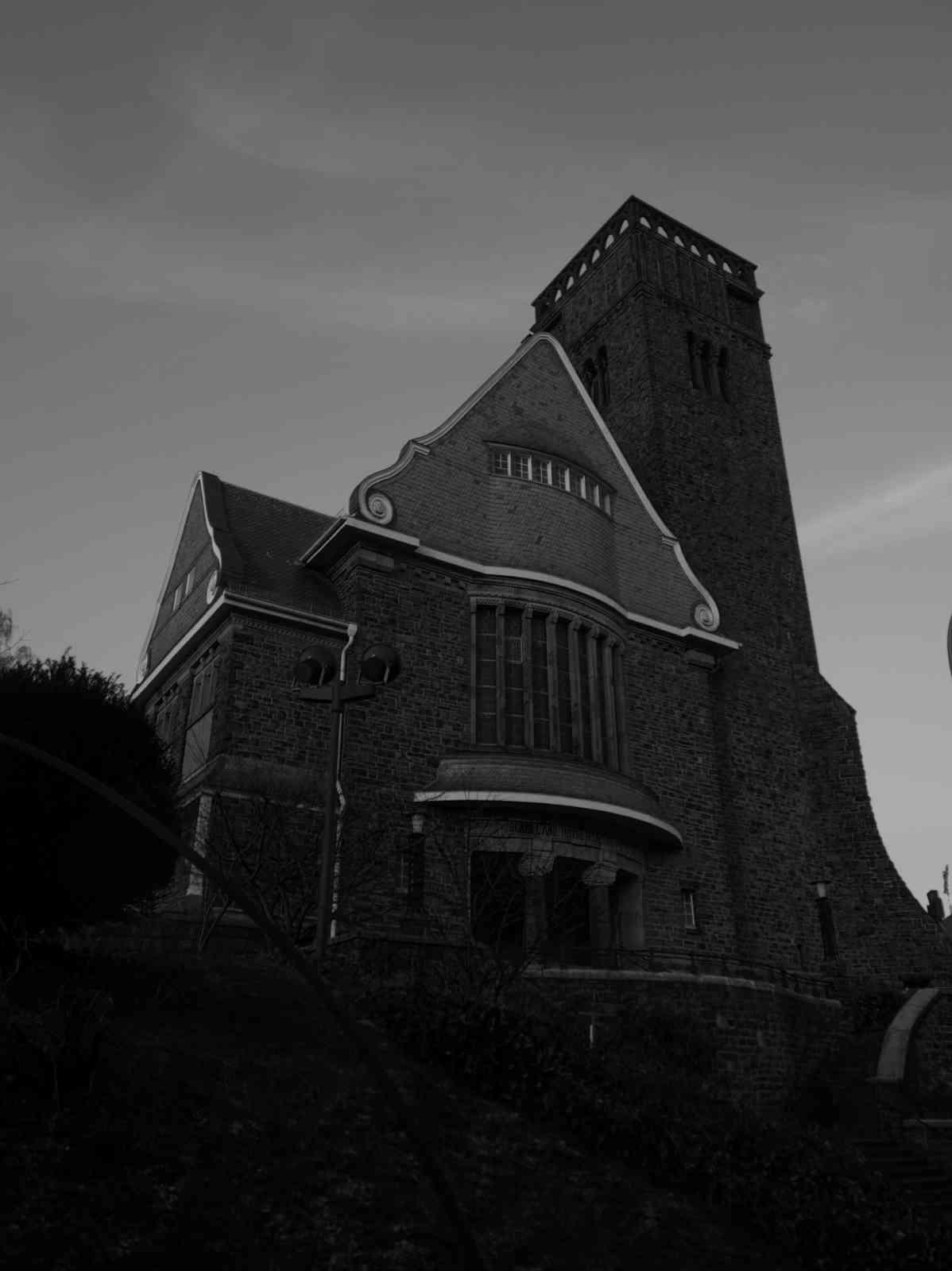 Sonnborner Kirche - Dunkles Gemäuer 2