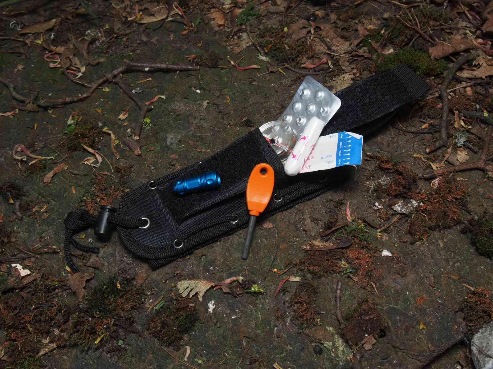 Walther Pro FBK - Survival-Kit in der Scheide