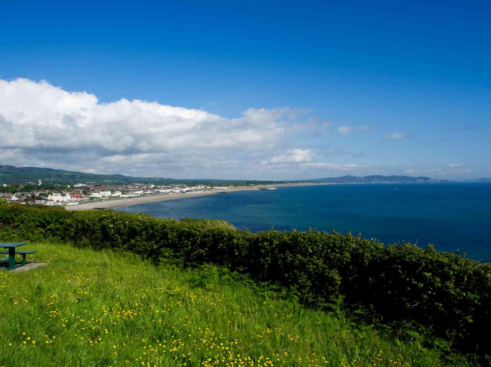 Küstenwanderung - Blick auf Bray