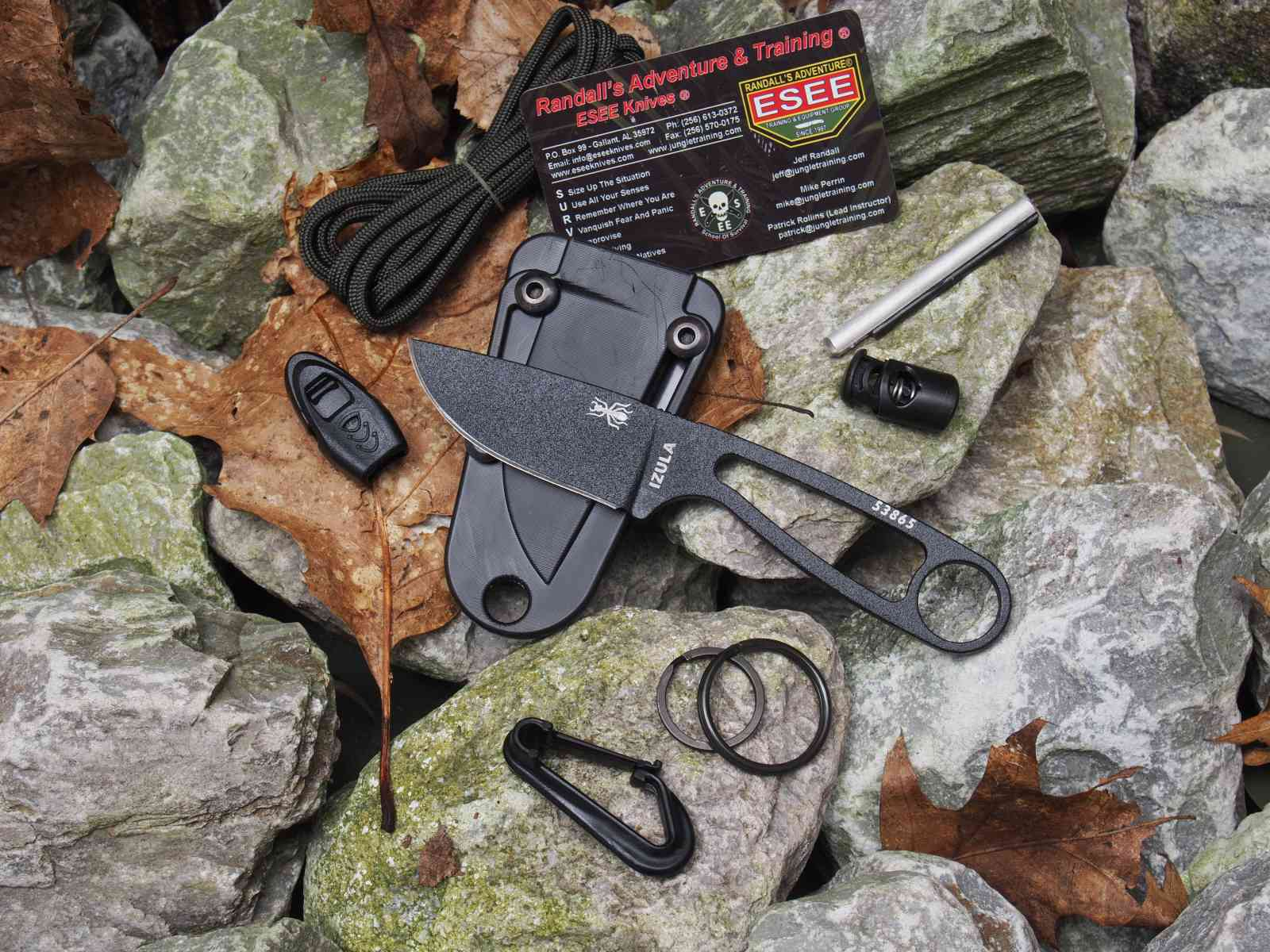 ESEE Izula mit Survival-Kit
