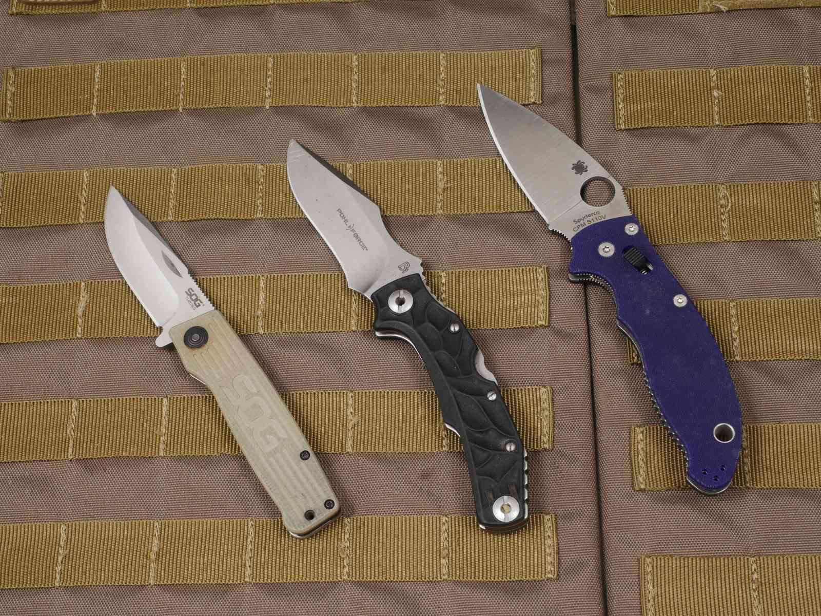 Taschenmesser: Zwei Zweihandmesser und ein Einhandmesser