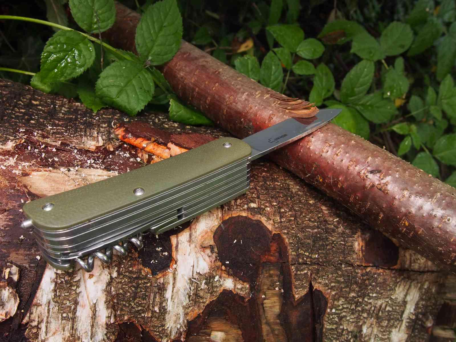 Böker Tech-Tool Outdoor 4 - Holzarbeit