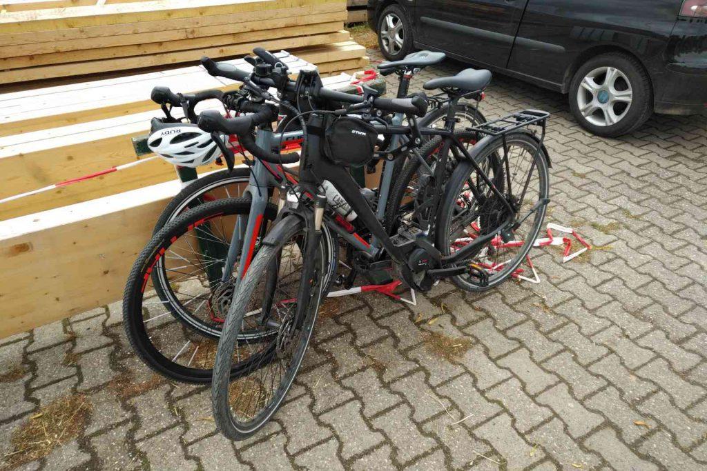 Radtour zum Altenberger Dom - Improvisierter Fahrradständer