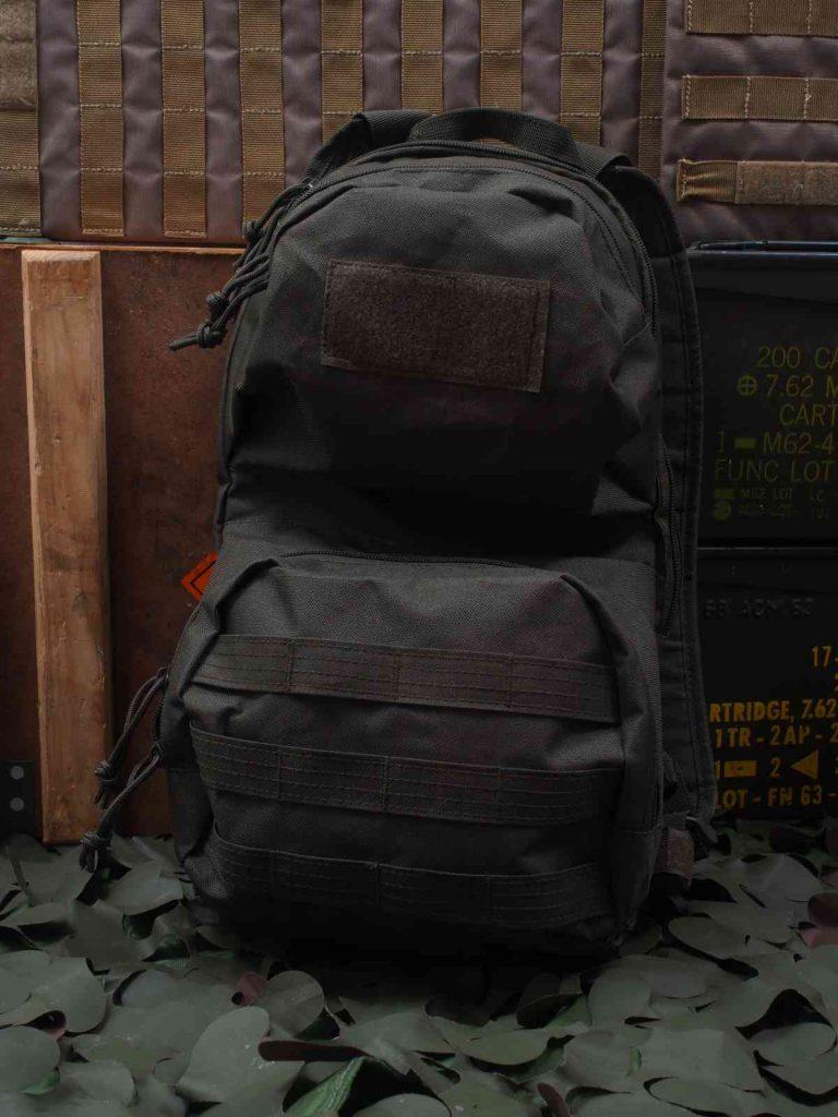 Highlander Scout Pack - Oben Klettfläche und unten MOLLE-Schlaufen