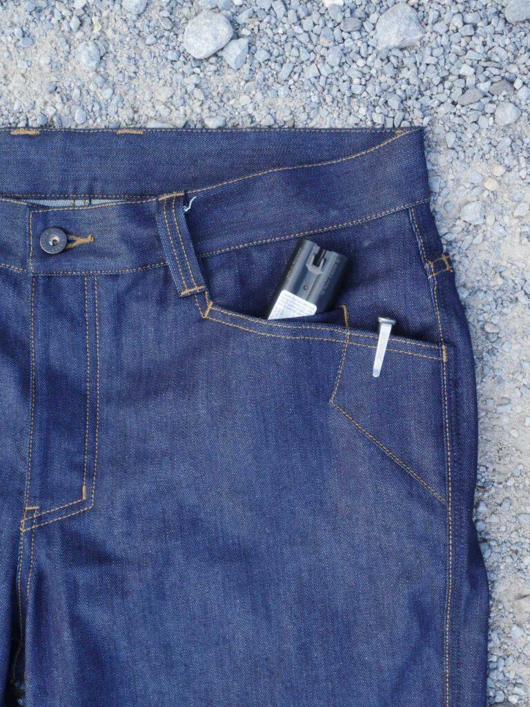 erstärkte Taschenränder und nur sehr kleine Einschubtasche