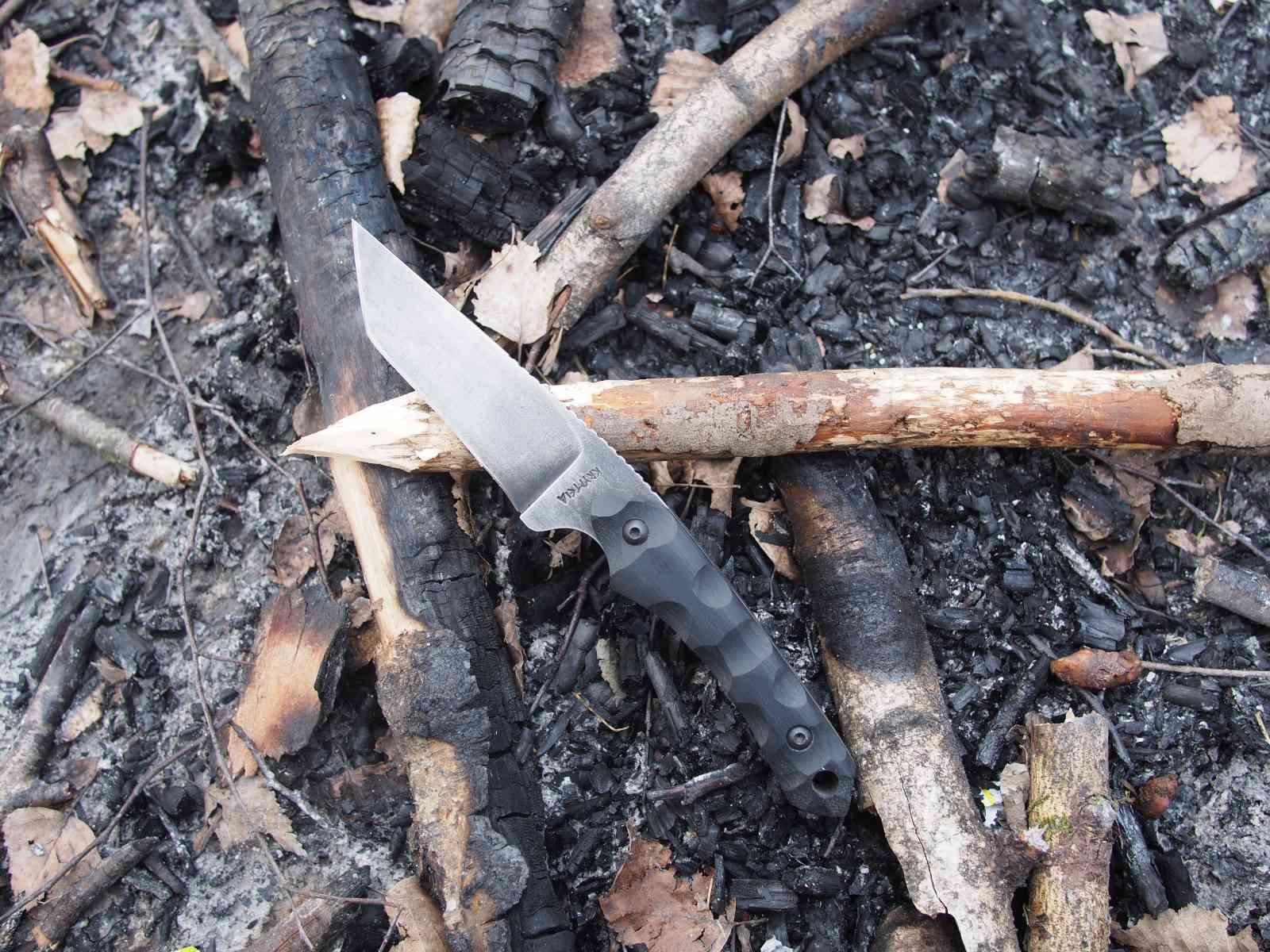 Krypteia Knives Griffin Tanto ist in seinem Element