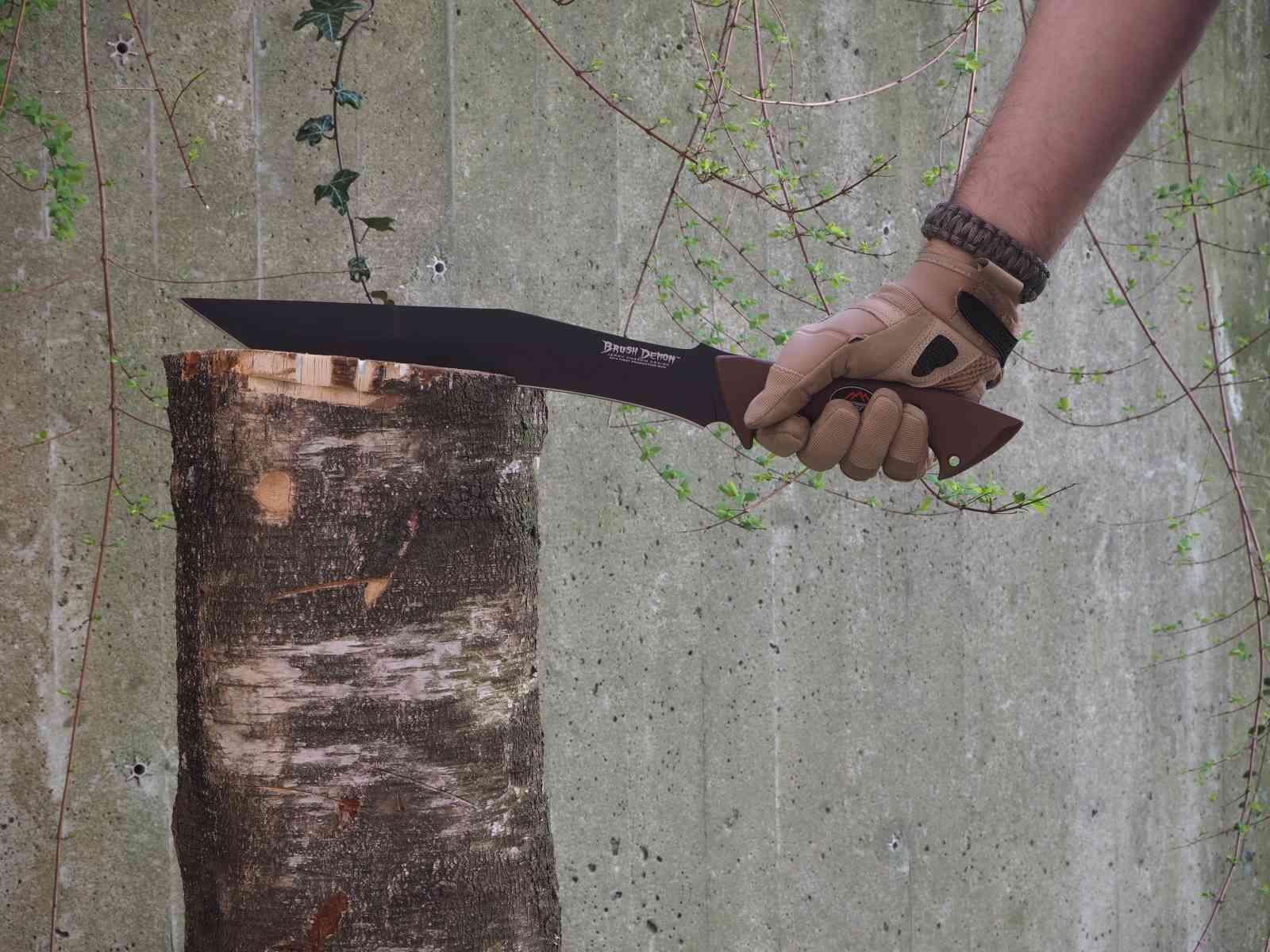 Outdoor Edge Brush Demon mit Einsatzhandschuhen