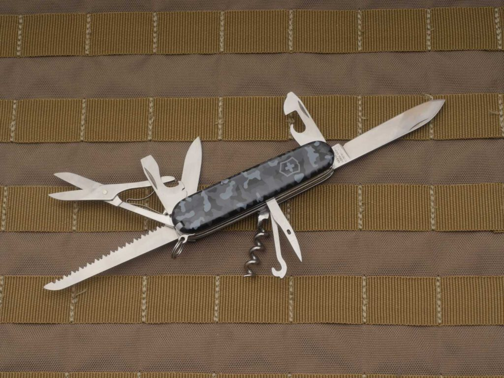 EDC-taugliche Werkzeug-Kombi nur eben mit nutzlosem Korkenzieher